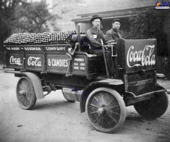 يک ماشين حمل نوشابه در زمان هاي قديم
