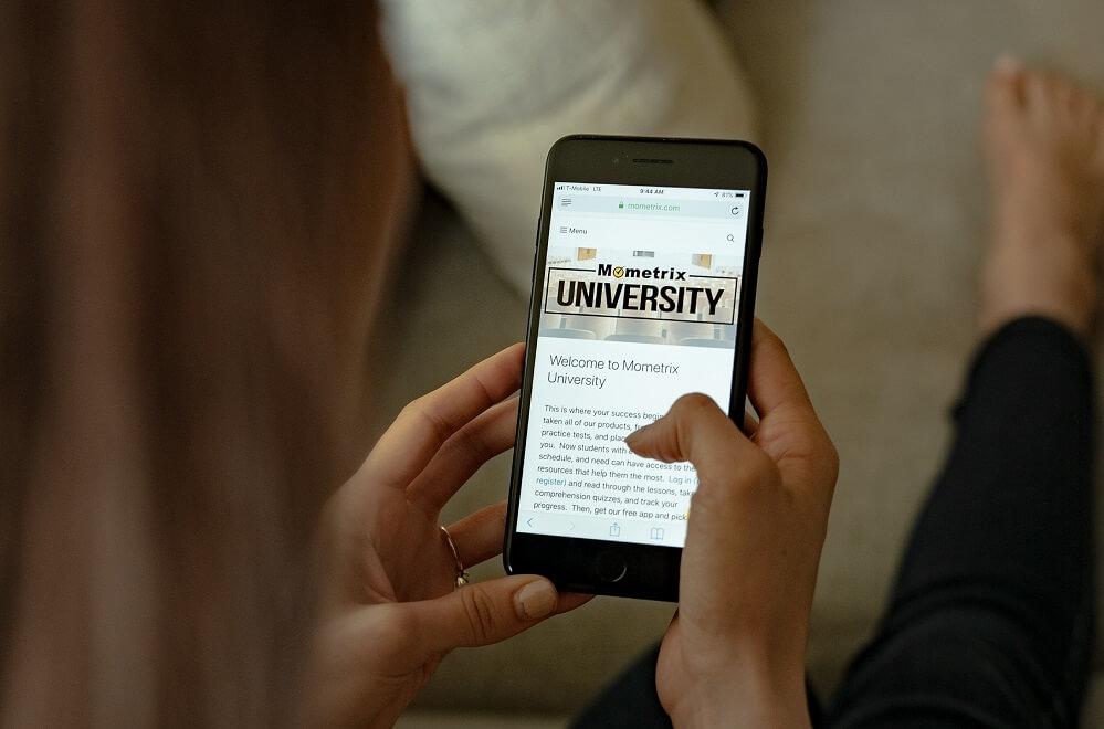 بازاریابی پیامکی از طریق پنل اس ام اس مدرسه و دانشگاه را از دست ندهید