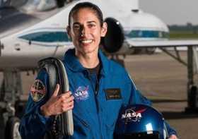 اولين دختر ايراني که به ماه سفر خواهد کرد