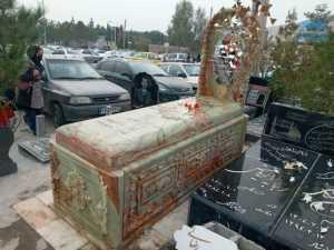 سنگ قبر 220 ميليون توماني در کرمان