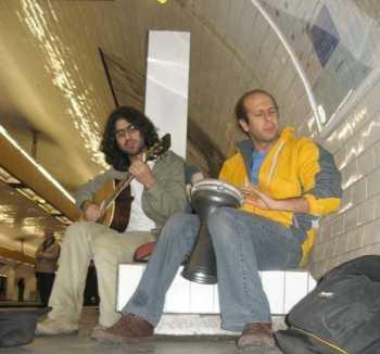 محمد بحراني در متروي پاريس