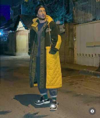 نويد محمدزاده با لباس هاي عجيب و جلف