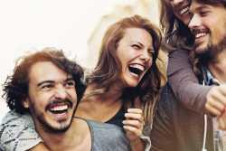 الکي بخنديد تا بهتر زندگي کنيد / فوايد الکي خنديدن
