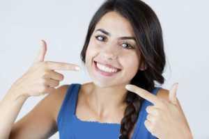 خوراکي هايي که دندان ها را سفيد مي کنند / روش هاي ساده براي سفيد مردن دندان ها
