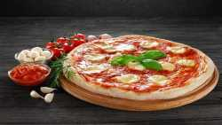 طرز تهيه پيتزا مارگاريتا / پيتزا مارگاريتاي خوشمزه