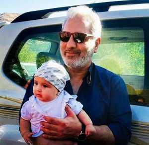 مهران مديري بچه به بغل