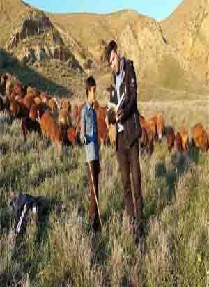 آموزش حضوری معلم فداکار در مناطق عشایری و روستایی شهرستان کلیبر