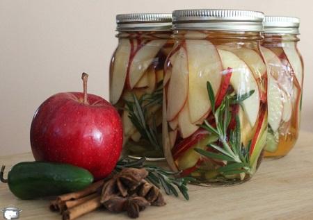 طرز تهیه ترشی سیب درختی