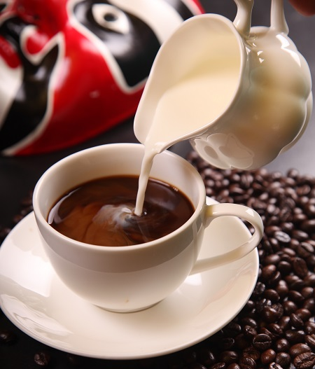 طرز تهیه شیر قهوه غلیظ و خامه ای