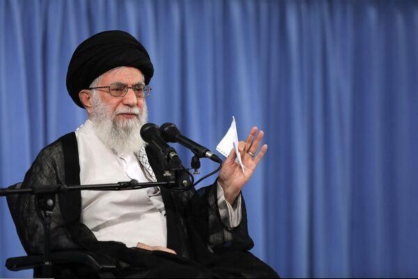 آغاز بیانات رهبر معظم انقلاب در سالگرد رحلت امام خمینی (ره) از ساعت 11