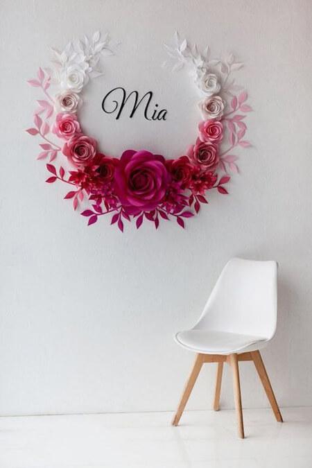 تزیین دیوار با گل کاغذی