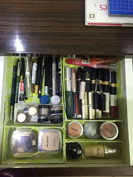 https://rozup.ir/view/3395826/cosmetics-box-training-8.jpg