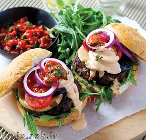 طرز تهیه ساندویچ همبرگر با سس مخصوص