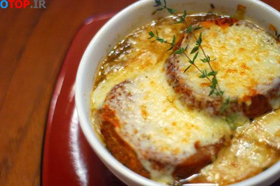 طرز تهیه سوپ پیاز فرانسوی خوشمزه