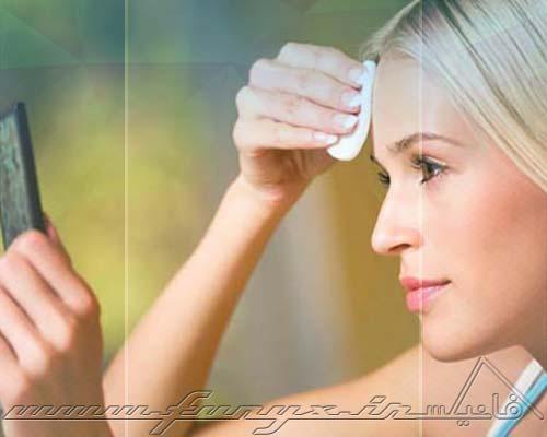 چگونه به راحتی آرایش صورت را پاک کنیم؟