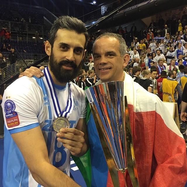 سعید معروف همراه با کاپ قهرمانی اروپا